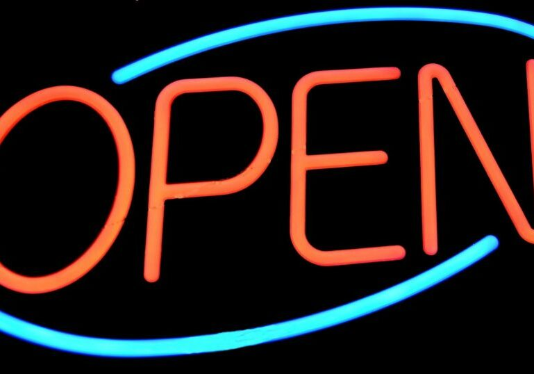 open-sign-1617495_1920